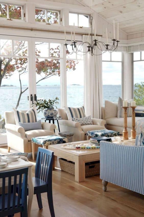 stile di casa sul lago o mare